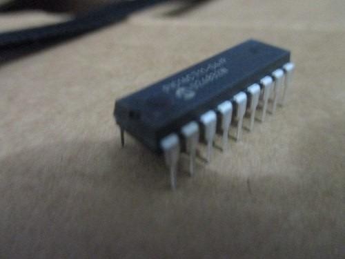Microcontrolador Pic 16c711-04/p Original