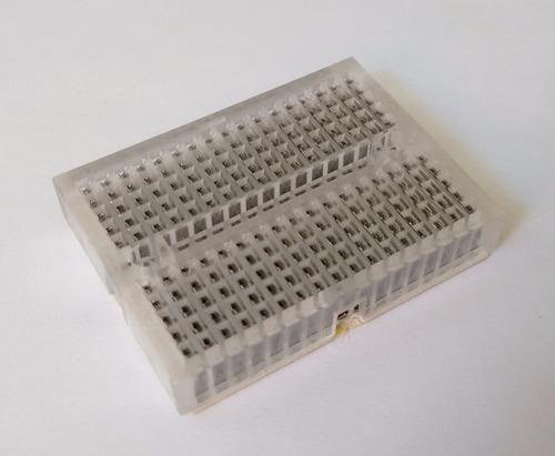 Imagen 1 de 2 de Protoboard Mini 170 Puntos Paquete De 5 Pcs Aleatorio
