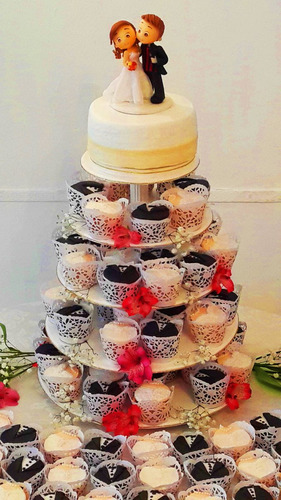 Torre De Cupcakes + Torta Para Eventos-casamientos