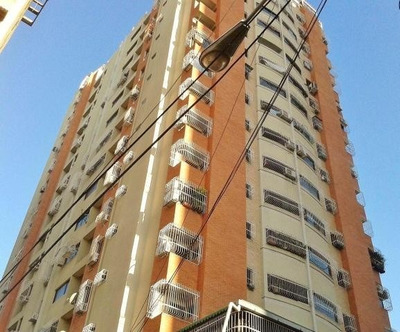 Apartamento En Venta Centro Maracay Edo. Aragua Mj