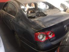 Volkswagen Passat 20dti 2011 Chocado No Incendiado Cola Sana