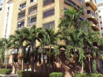 Apartamento En Venta En San Isidro. Codflex 15-14315. Mcmb