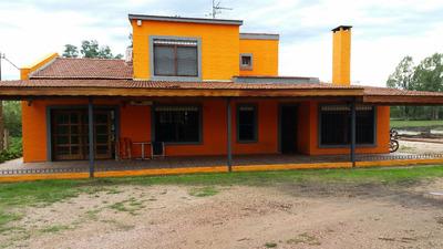 Casa De Tres Dorm Con Campo De 3 Há