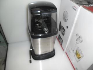 Triturador Picador De Hielo Manual Inox Contenedor Plástico