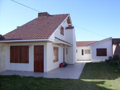 Casa En Santa Clara Del Mar A 40 Mts De La Playa - 6 Pers