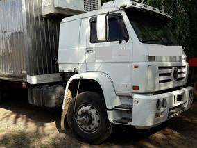 Camion Con Furgon Termico Con Equipo De Frio