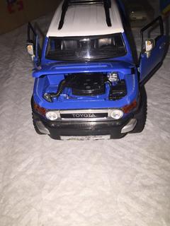 Miniatura De Veículo Da Toyota Importada