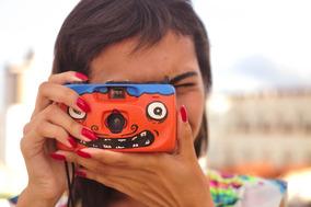 Câmera Analógica Pintada A Mão Filme 35mm