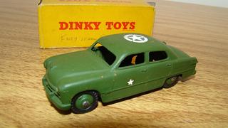 Dinky 675g 170 Ford Sedan Militar 1/43 Tekno Corgi Solido
