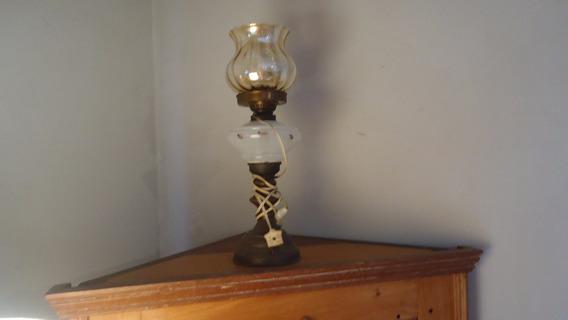 Antigo Lampião De Mesa Adaptado Para Luz Elétrica