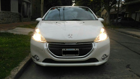 Peugeot 208 Allure Touch Screen - Modelo 2014 - Impecable