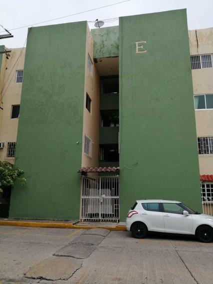 Departamento En Los Pinos, Espejo Uno