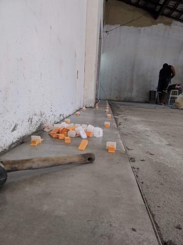 Imagem 1 de 8 de Construção Civil, Reformar ,nichos De Porcelanato Etc....