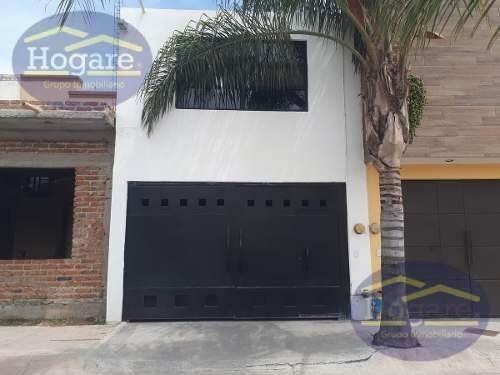 Casa En Venta Con Ampliaciones Y Frente A Área Verde Zona Sur Hacienda Los Otates León Gto.