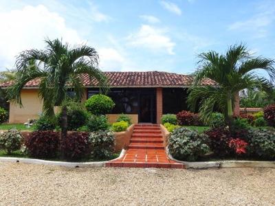 Rb Venta Hermosa Casa En El Safari Piscina, Parque.