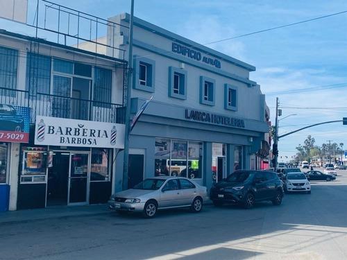 Local Comercial Y Dos Oficinas Otay