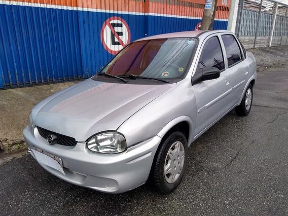 Corsa Sedan 1.0 Wind 2001