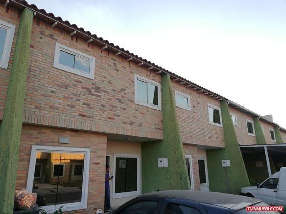Townhouses En Venta 0424 3805304