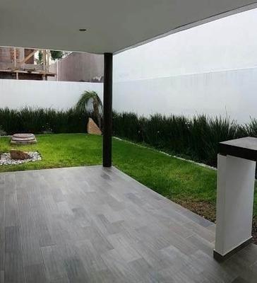 Se Vende Hermosa Residencia En Cumbres Del Lago, 3 Recs..