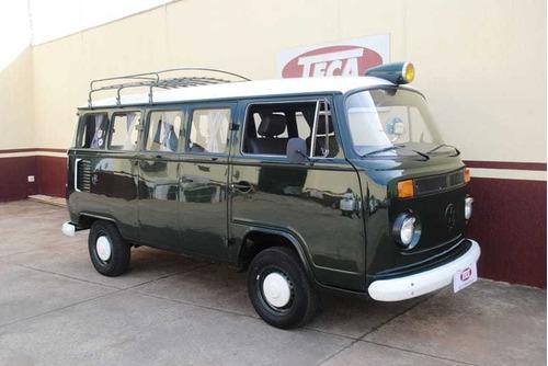 Volkswagen Kombi Standard 1.6 4p