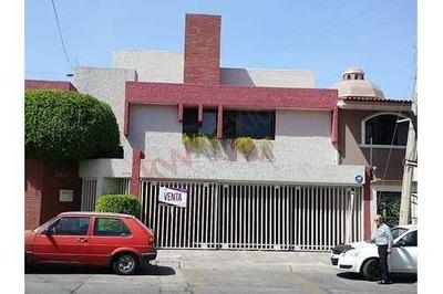 Casa En Venta En Verde Valle, Zapopan, Zona Plaza Del Sol, Ideal Para Inversión