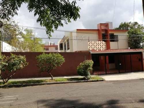 Casa En Venta Dentro De Colina De Las Águilas