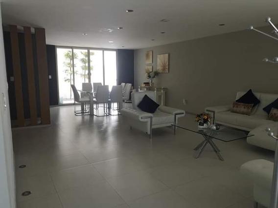 Casa De 180 M2, 3 Recamaras, 3 Niveles, Con Roof Garden