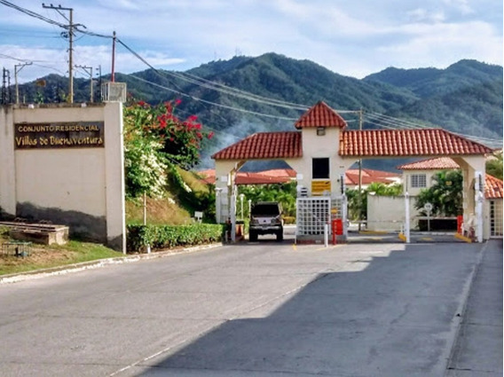 Townhouse, Villas De Buenaventura, Sector San Pedro Guatire
