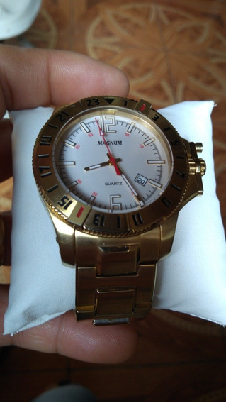 Relógio Magnum Semi Novo Com Caixa
