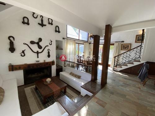 Casa En Alquiler Anual  Zona Ideal Para Vivir Todo El Año- Ref: 6780