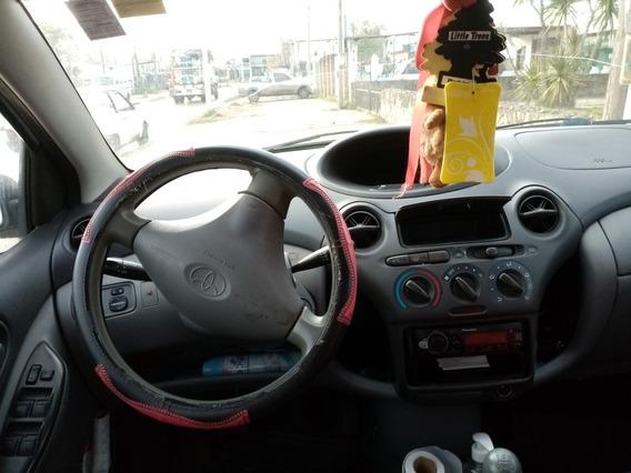 Toyota Yaris 1.5 Hb 5vel Aa Mt 2002