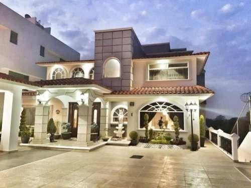 Residencia En Venta Con Alberca Techada En Condado De Sayavedra