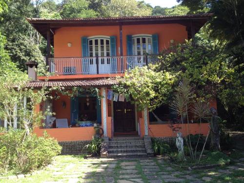 Casa Em Secretário Petrópolis Com Área De Lazer E Atelier
