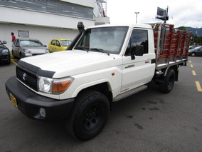 Toyota Land Cruiser Mt 5000cc 4x4