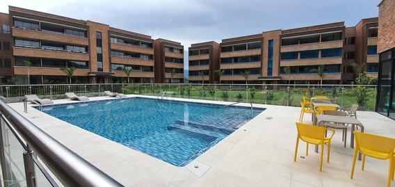 Apartamento En Venta Loma Del Escobero Mls 20-404