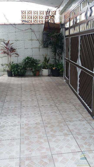 Casa Dois Dormitorios - V4044
