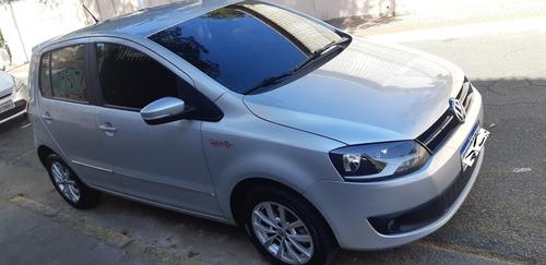 Imagem 1 de 10 de Volkswagen Fox 2014 1.6 Vht Rock In Rio Total Flex 5p