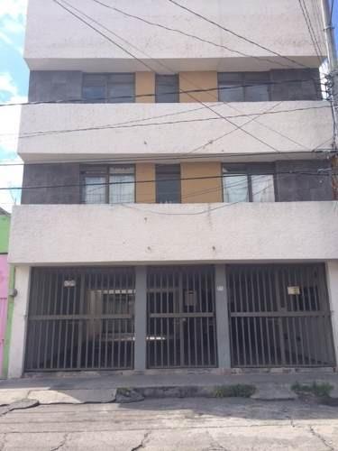 Edificio Con 6 Departamentos En Venta En Col. Ventura Puente