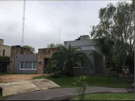 Casa 4 Ambientes En Ituzaingo - Barrio Cerrado Altos Del Sol