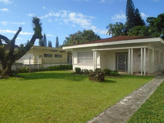 Casa No Centro Com 0 Quartos Para Venda, 210 M² - 10300