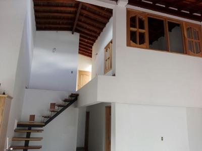 Casa 4 Ambientes 3 Baños, Dos Pisos Full Acabados