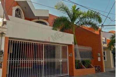 Casa En Venta En Lomas De Mazatlán Cerca De Zona Dorada