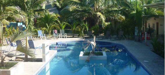 Hotel En Las Lajas, Chiriqui, Cerca Del Pacifico