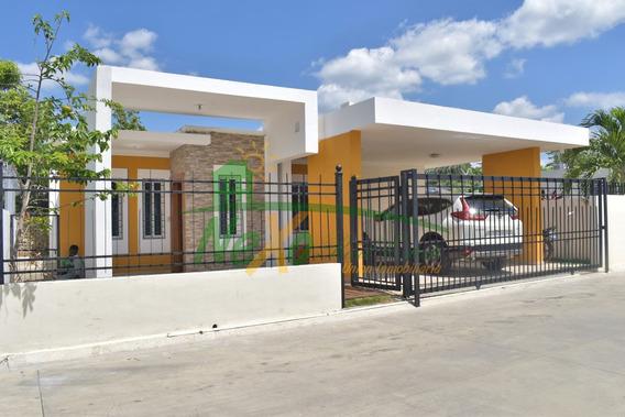 En Venta Casa De Oportunidad Económica Con Piscina (trc-171)