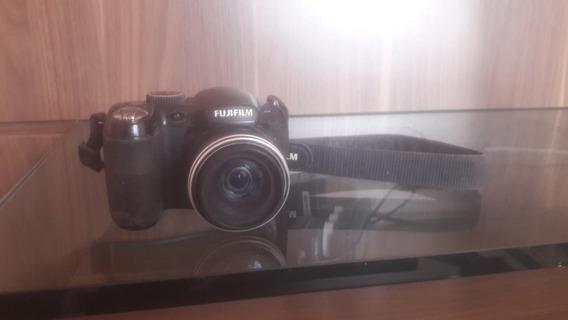 Profissional Fujifilm Finepix S2800