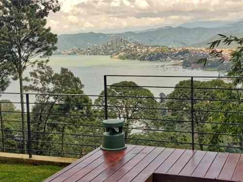 Hermosa Casa Vanguardista En Avandaro Con Increíble Vista Al Lago