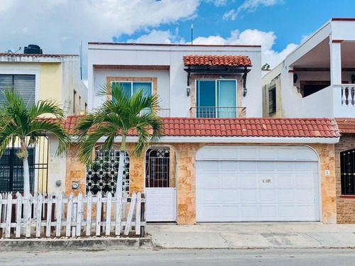 Casa En Venta 4 Recamaras Sobre Avenida Colosio En Playa Del Carmen Comercia