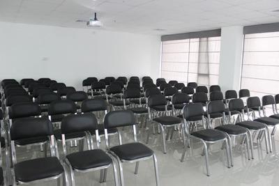 Alquiler Salas De Capacitación Conferencias 20 A 70 Personas