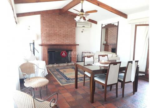 Casa En Zona De Cantegril - Ref: 6261