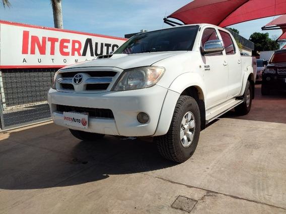 Toyota Hilux Srv Cd / At